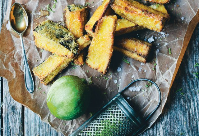 Crispy aubergine bites with honey and lime