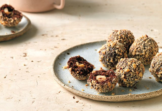 Faux-rerro rocher hazelnut bliss ball recipe