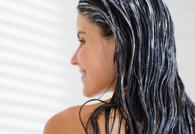 Homemade beauty remedy for dry hair