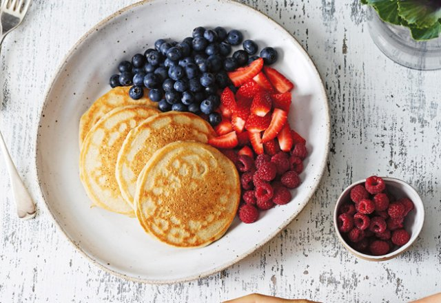 Pancakes with coconut yoghurt & fresh berries