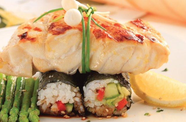 Grilled kingfish with vegetable nori rolls recipe | Nourish magazine ...