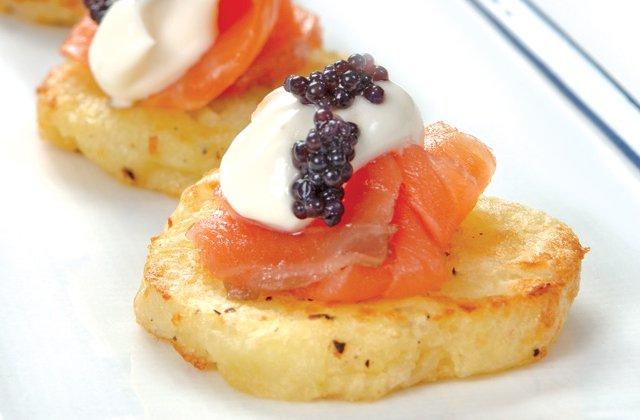 Potato rosti with smoked salmon, cream cheese and caviar | Nourish ...