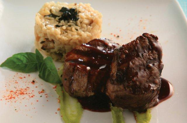 Wasabi beef steaks with mushroom rice salad  Asian beef recipes  Nourish ma # Wasbak Zeef_202434